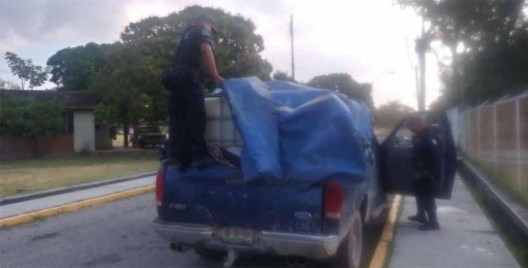 Decomisan combustible robado en Oaxaca