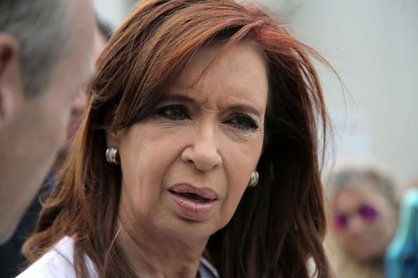 Justicia argentina ordena detener empresarios ligados expresidenta Fernández