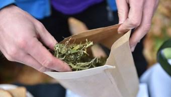 detienen a dos mujeres con kilos de marihuana en iztapalapa