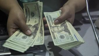 El dólar abre en 19.35 pesos a la venta