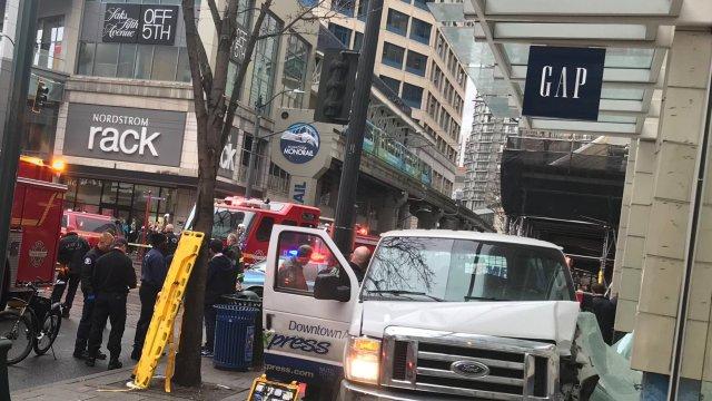 Emergencia médica causó atropellamiento y choque en Seattle