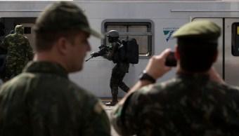 Entrenamiento de elementos de la Policía de Brasil