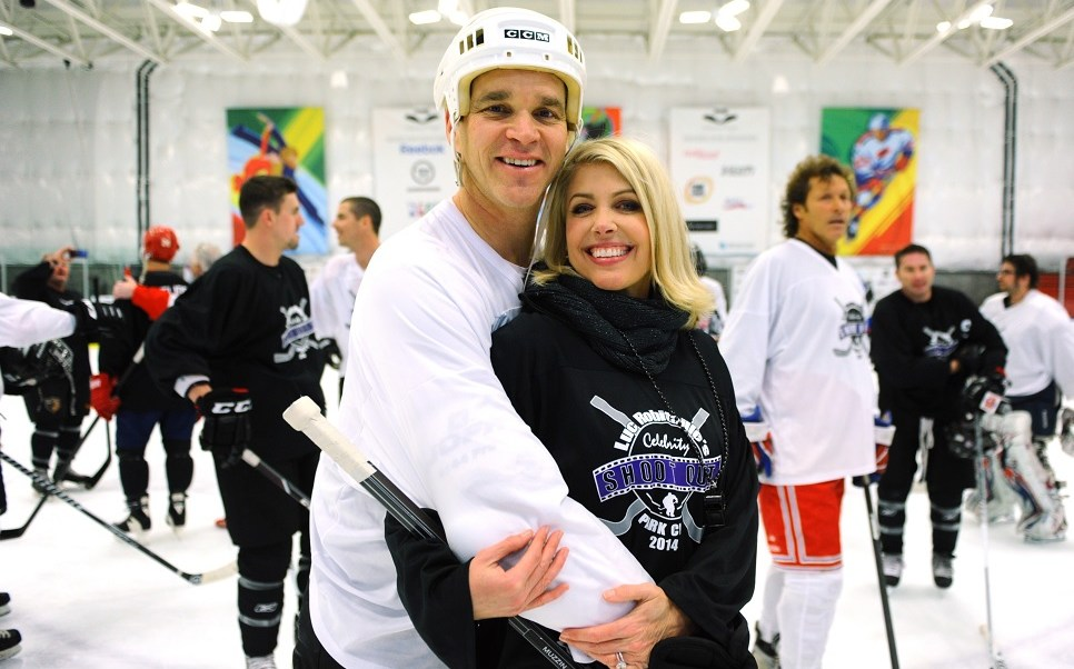 Esposa de jugador de hockey acusa a Trump de pedirle acompañarlo