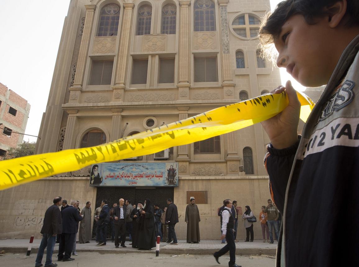 Ataque armado a la iglesia en Egipto hace 5 muertos