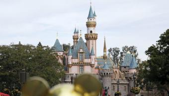 Apagón obliga evacuar varias atracciones parque Disneyland California
