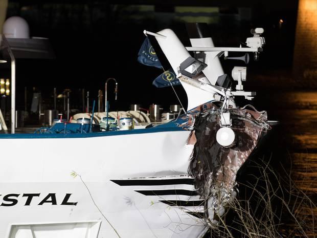Chocó un crucero contra un puente en Alemania y hay 27 heridos