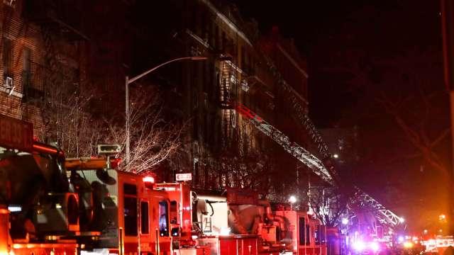 Niño que jugaba con estufa pudo haber causado incendio en Nueva York