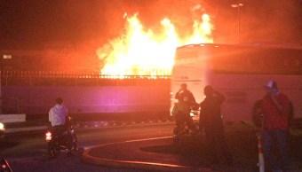 se incendia vehiculo paso express cuernavaca