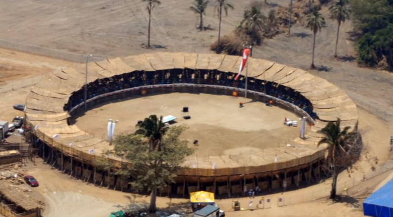 Inicia la construcción artesanal de la Plaza de Toros 'La Petatera'