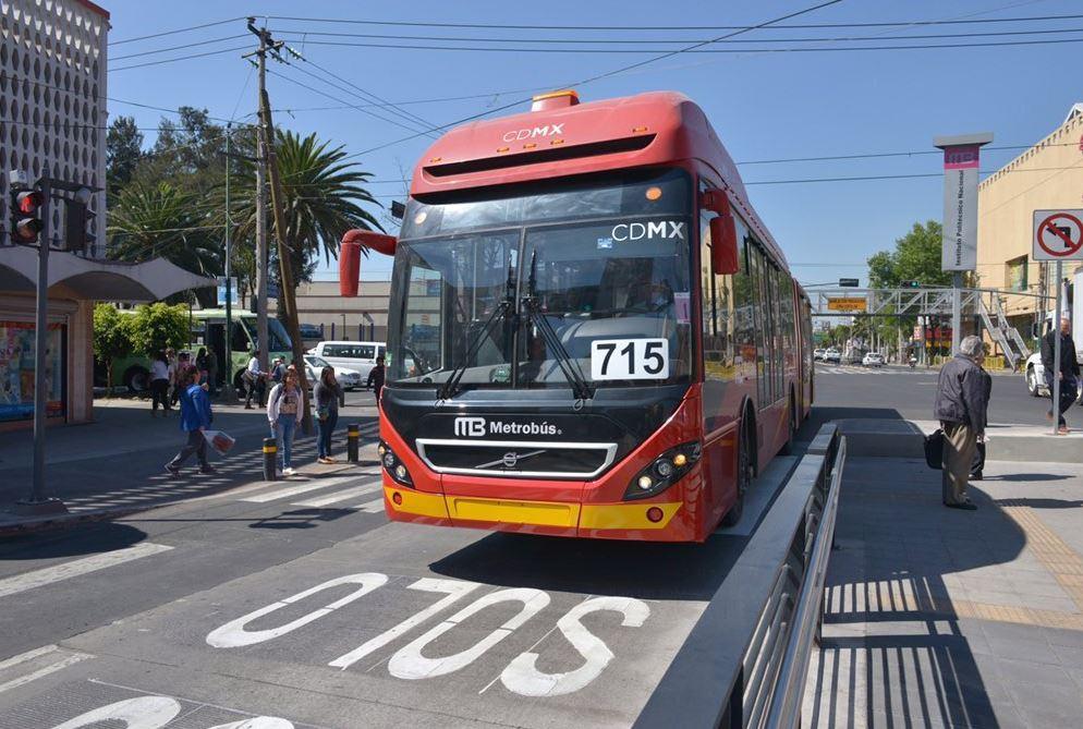 Metro, Metrobús y Suburbano tendrán horario especial por fiestas navideñas