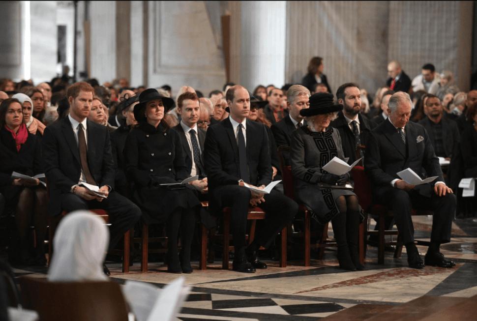 Miembros de la familia real y del gobierno británico acudieron a la ceremonia