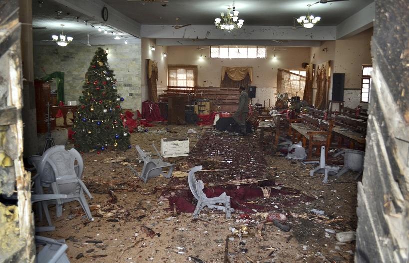 Atentado suicida en Pakistán deja al menos 10 muertos