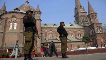 Cristianos paquistaníes celebran la Navidad entre el miedo y el desafío