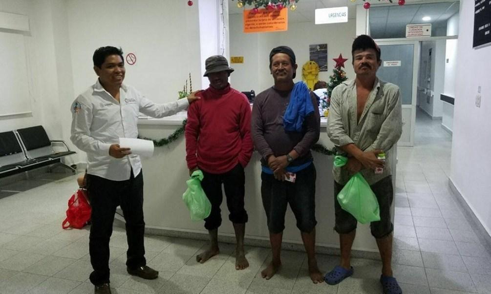 marinos rescatan tres pescadores embarcacion deriva acapulco