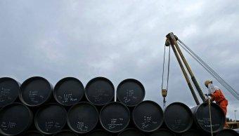 Petróleo mexicano gana 81 centavos y se vende 54 40 dólares