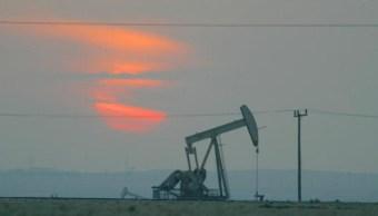 Los precios del crudo arrancan a la baja