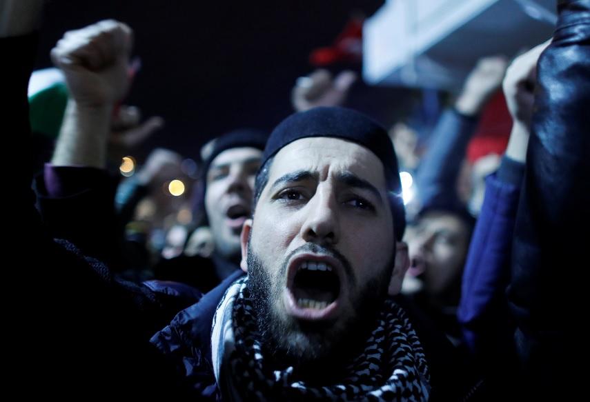 """Decisión de Trump abre """"las puertas del infierno"""", advierte Hamas"""