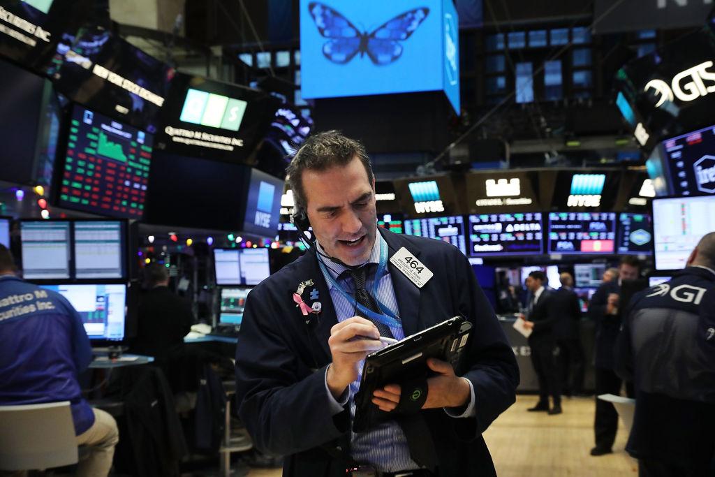 Wall Street abre al alza por el avance de acciones tecnológicas