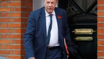 Dimite viceprimer ministro británico acusado acoso sexual