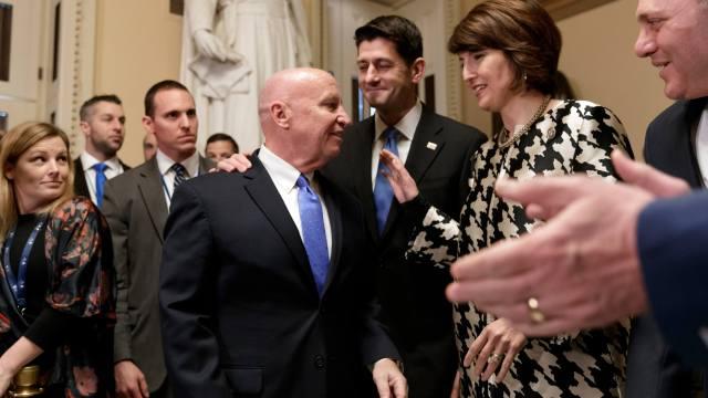 Republicanos en la Cámara de Representantes aprueban la reforma tributaria