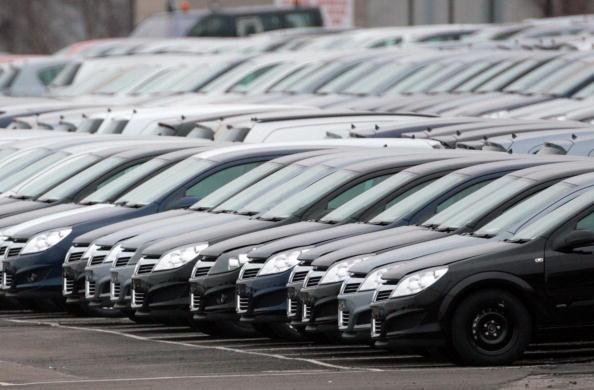 Economía prorroga el decreto para importar vehículos usados