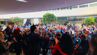 con rifa y mejores pasos legisladores festejan trabajadores mantenimiento senado