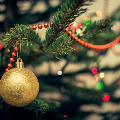 Poner los arreglos navideños hace más feliz a la gente: expertos
