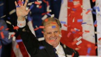 Trump felicita Twitter Doug Jones ganar elección Alabama