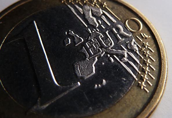 UE publica lista negra de paraísos fiscales