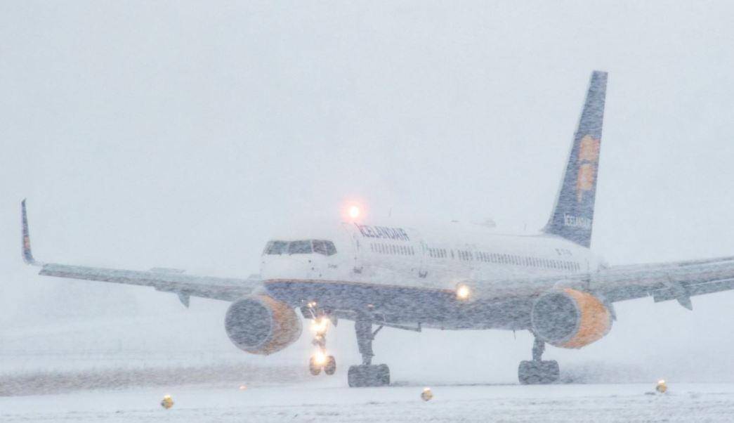 Nevadas obligan a cancelar vuelos en diferentes países de Europa