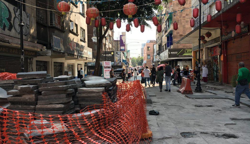obras de rehabilitacion en el barrio chino afectan al comercio