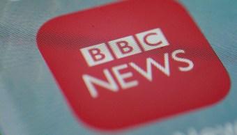 Periodistas de BBC se recortan el sueldo en solidaridad con sus compañeras