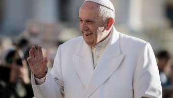 Papa Francisco lamenta fatal accidente ferroviario en Italia