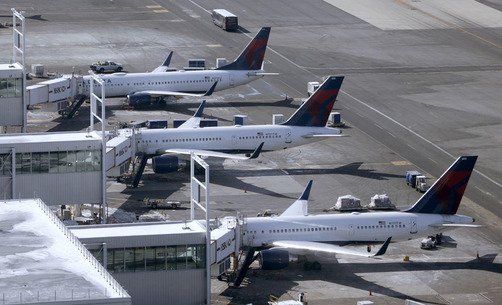 EEUU/México.- EEUU y México estudian colocar alguaciles armados en vuelos transfronterizos