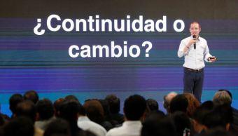 Anaya reconoce fallas durante gobiernos panistas durante encuentro con universitarios en Guadalajara