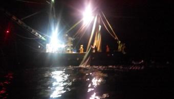 aseguran barco camaronero en islas del pacifico