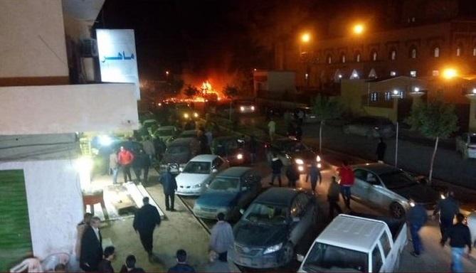 27 muertos por carros bomba en Libia