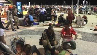 Auto invade paseo Copacabana y deja menos 15 heridos
