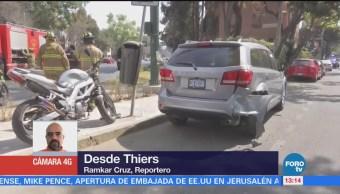 Choca motociclista contra auto particular en Thiers, CDMX