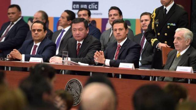 Osorio Chong confirma renuncia al gabinete de Peña Nieto