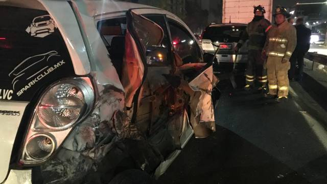 Choque múltiple en la México-Toluca deja cinco lesionados