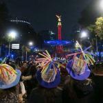 mas de 100 mil personas reciben al ano nuevo con concierto en cdmx