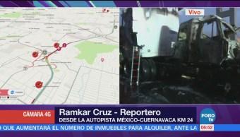 Continúan trabajos para retirar tráiler incendiado en la México-Cuernavaca