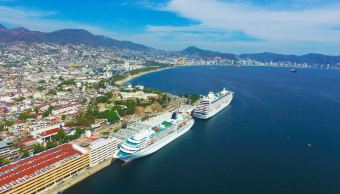 llegan a acapulco, dos cruceros con mas de dos mil turistas