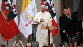 El papa pide perdón por abusos a menores por el clero chileno