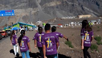 Fieles argentinos buscan cruzar la frontera con Chile