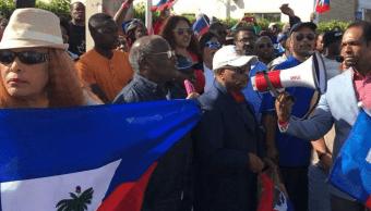 Haitianos protestan en Florida contra comentarios de Trump