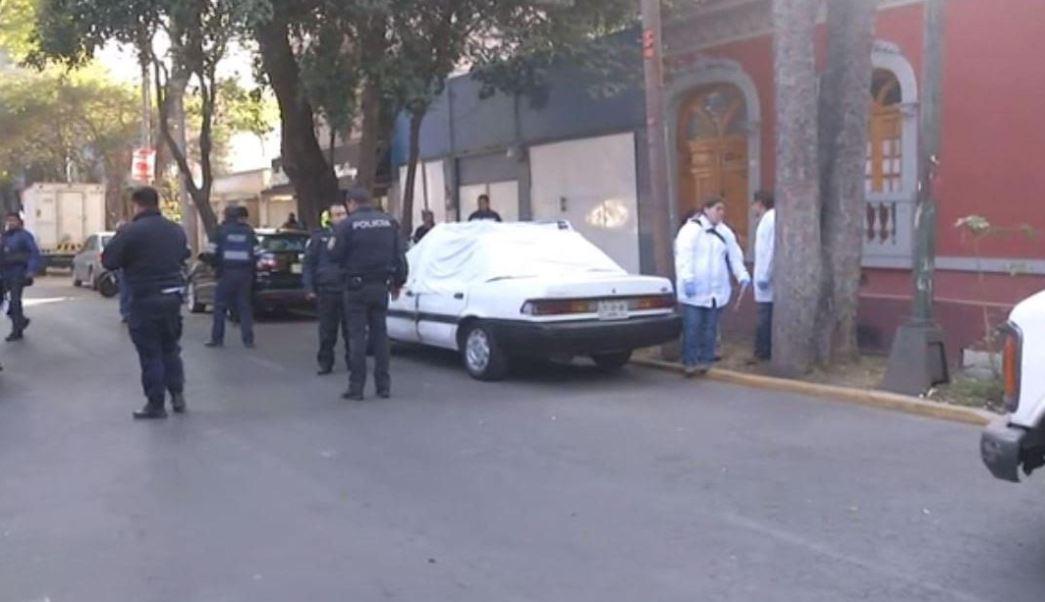 Padre de familia se dispara frente a su hijo en la Ciudad de México