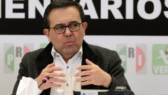 México, abierto a considerar cambios en reglas de origen para autos