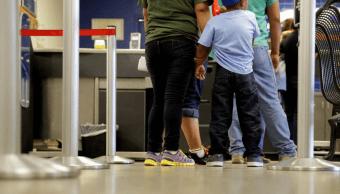 Migrantes salvadoreños en Estados Unidos. (AP)